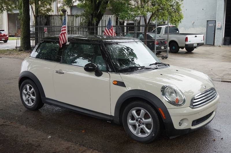 2008 MINI COOPER BASE 2DR HATCHBACK cream  call 888-218-8442 for sales  this 2008 mini coop