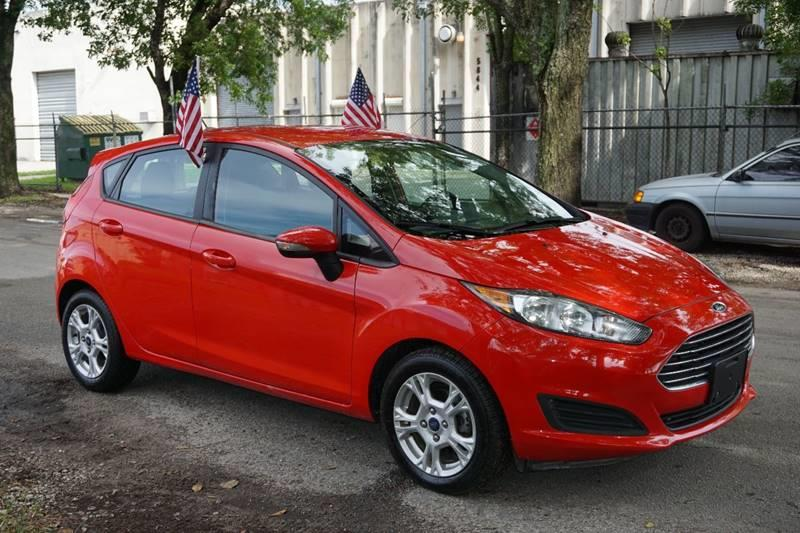 2015 FORD FIESTA SE 4DR HATCHBACK red  call 888-218-8442 for sales  this 2015 ford fiesta s