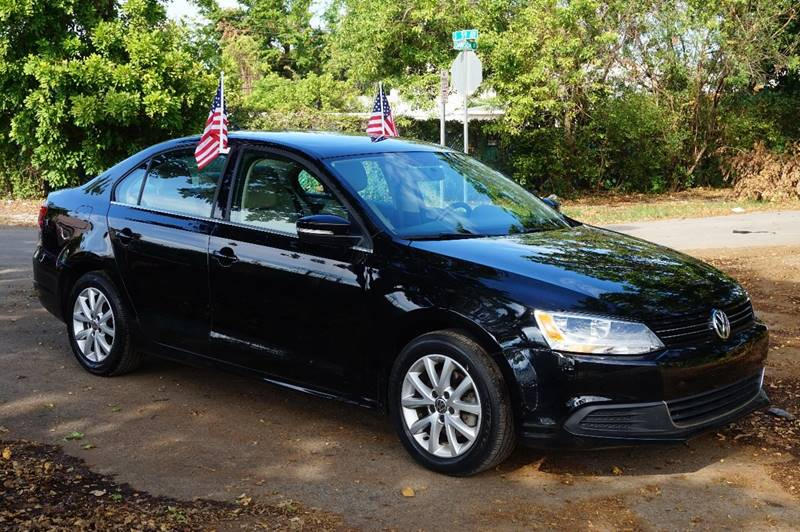 2014 VOLKSWAGEN JETTA SE 4DR SEDAN 6A WCONNECTIVITY black  call 888-218-8442 for sales  th