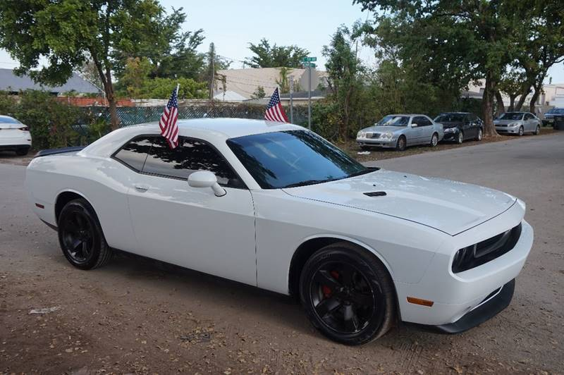 2014 DODGE CHALLENGER SXT 2DR COUPE white  call 888-218-8442 for sales  this 2014 dodge cha