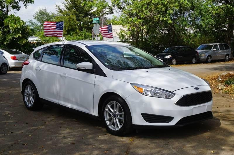 2016 FORD FOCUS SE 4DR HATCHBACK white  call 888-218-8442 for sales  this 2016 ford focus s