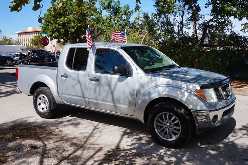 2005 NISSAN FRONTIER SE 4DR CREW CAB RWD SB silver  call 888-218-8442 for sales  this 2005