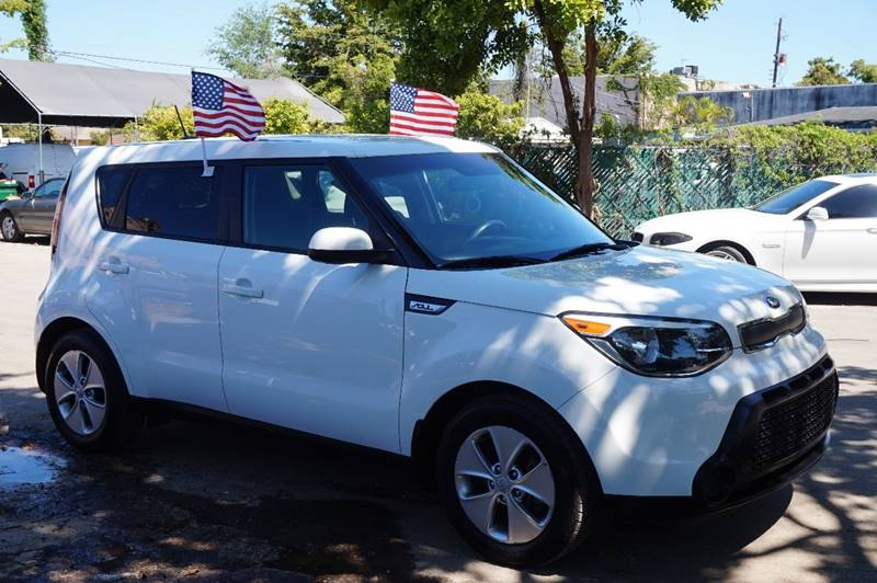 2015 KIA SOUL BASE 4DR WAGON 6A white  call 888-218-8442 for sales    certified gwc warrant
