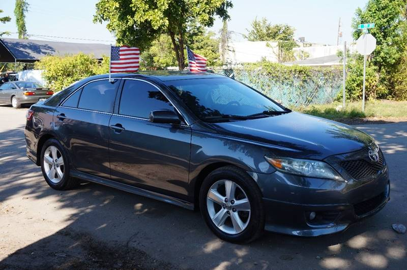 2011 TOYOTA CAMRY SE 4DR SEDAN 6A gray  call 888-218-8442 for sales   certified gwc warrant