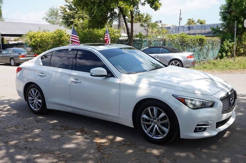 2014 INFINITI Q50 PREMIUM 4DR SEDAN white  call 888-218-8442 for sales   vehicle price incl