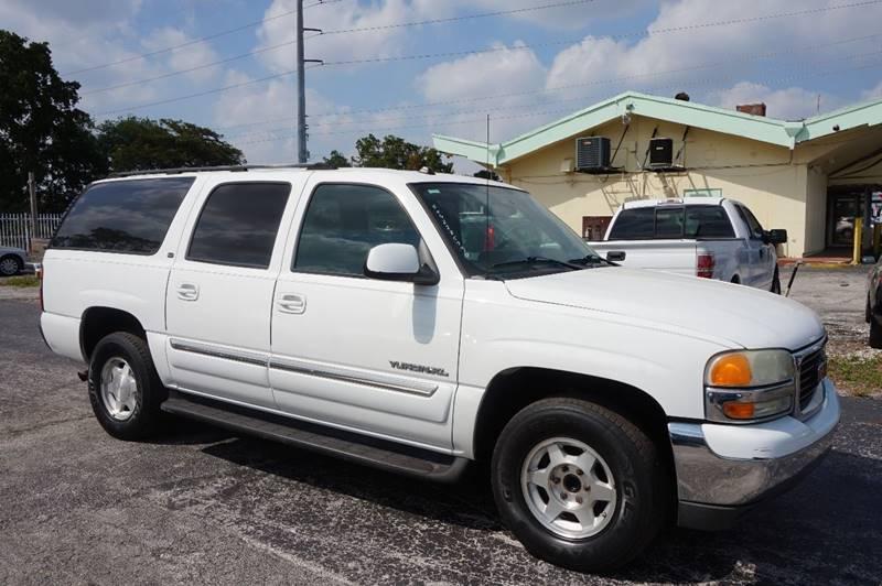 2004 GMC YUKON XL 1500 SLT 4DR SUV white  call 888-218-8442 for sales  this 2004 gmc yukon