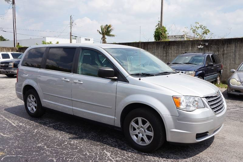 2010 CHRYSLER TOWN AND COUNTRY LX 4DR MINI VAN W25B silver  call 888-218-8442 for sales  t