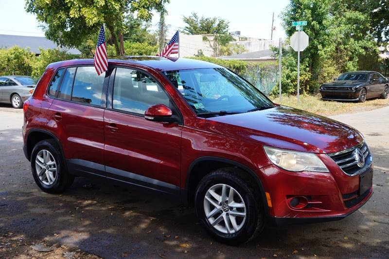 2011 VOLKSWAGEN TIGUAN SE 4DR SUV burgundy  call 888-218-8442 for sales   vehicle price inc