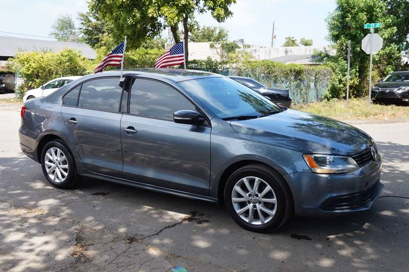 2011 VOLKSWAGEN JETTA SE 4DR SEDAN 6A W CONVENIENCE gray  call 888-218-8442 for sales  thi