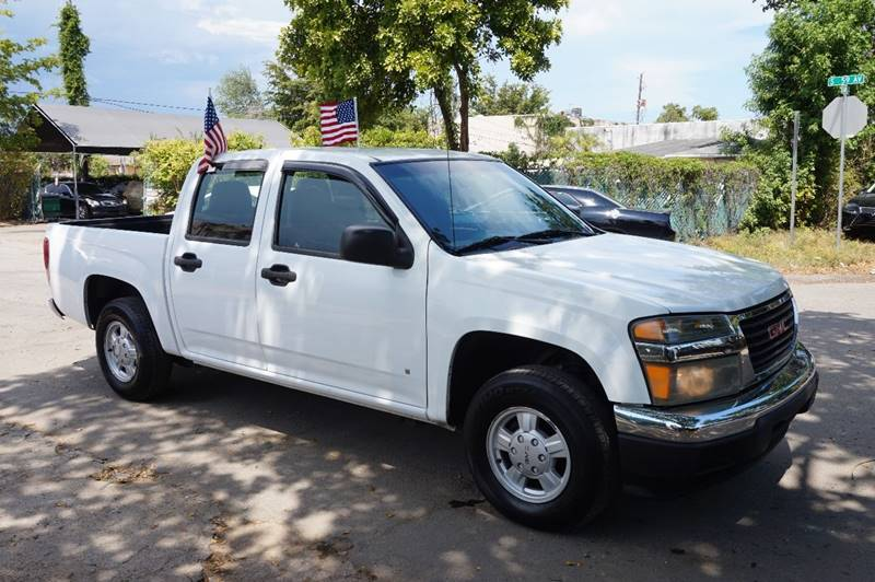 2006 GMC CANYON SLE 4DR CREW CAB SB white  call 888-218-8442 for sales  this 2006 gmc canyo