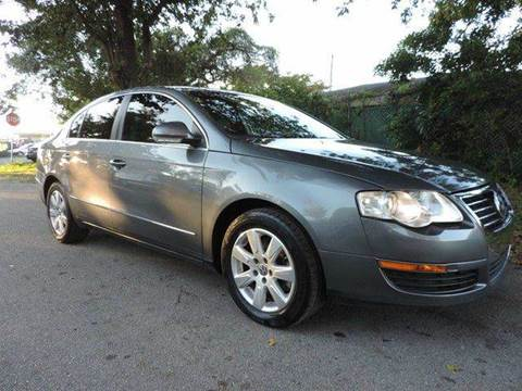 2008 Volkswagen Passat for sale at SUPER DEAL MOTORS in Hollywood FL