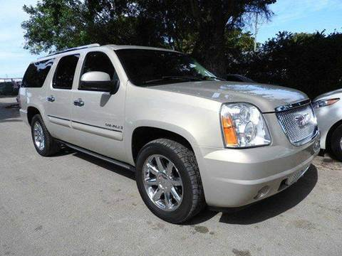 2007 GMC Yukon XL for sale at SUPER DEAL MOTORS in Hollywood FL