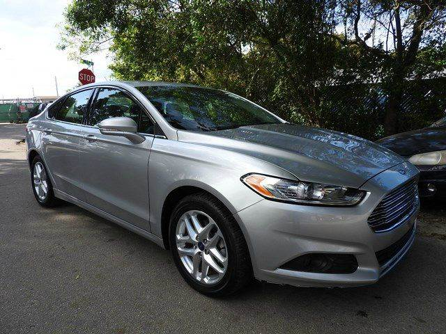 2015 FORD FUSION SE 4DR SEDAN silver  call 866-378-7964 for sales  this 2015 ford fusion se