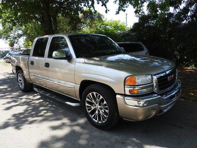 2005 GMC SIERRA 1500 SLE 4DR CREW CAB RWD SB gold  call 866-378-7964 for sales  this 2005 g