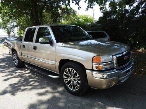 2005 GMC Sierra 1500 for sale at SUPER DEAL MOTORS in Hollywood FL