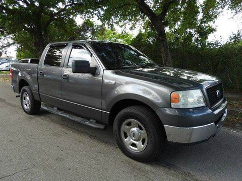 2005 Ford F-150 for sale at SUPER DEAL MOTORS in Hollywood FL