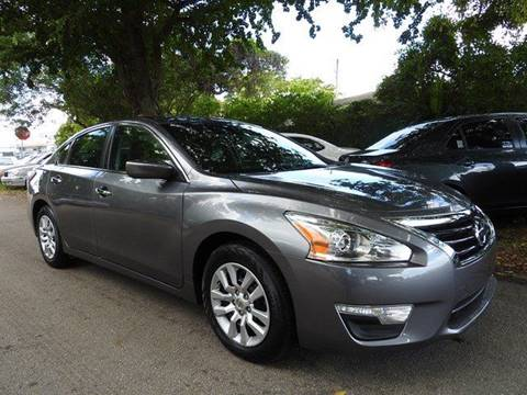 2015 Nissan Altima for sale at SUPER DEAL MOTORS in Hollywood FL