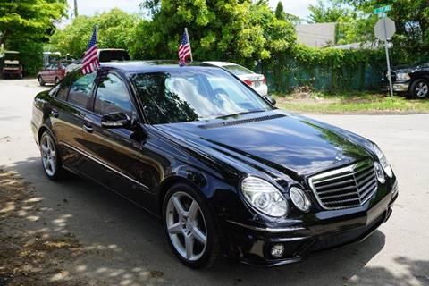 2009 Mercedes-Benz E-Class for sale at SUPER DEAL MOTORS in Hollywood FL