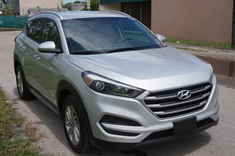 2017 Hyundai Tucson for sale at SUPER DEAL MOTORS in Hollywood FL