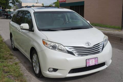 2013 Toyota Sienna for sale at SUPER DEAL MOTORS in Hollywood FL