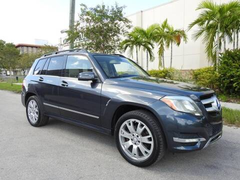 2013 Mercedes-Benz GLK for sale at SUPER DEAL MOTORS in Hollywood FL