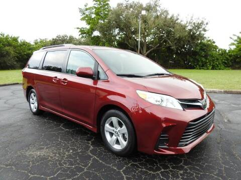2018 Toyota Sienna for sale at SUPER DEAL MOTORS 441 in Hollywood FL