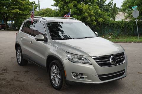 2009 Volkswagen Tiguan for sale at SUPER DEAL MOTORS in Hollywood FL