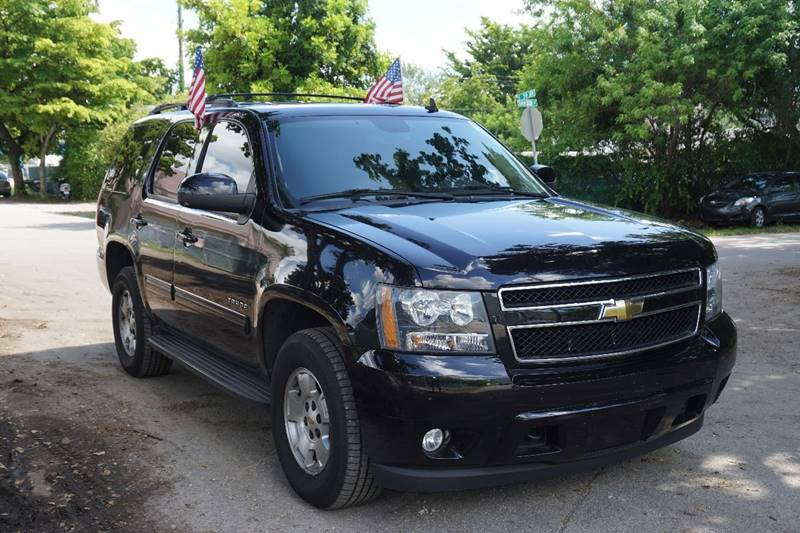 2010 CHEVROLET TAHOE LT 4X4 4DR SUV black  call 866-378-7964 for sales  this 2010 chevrolet