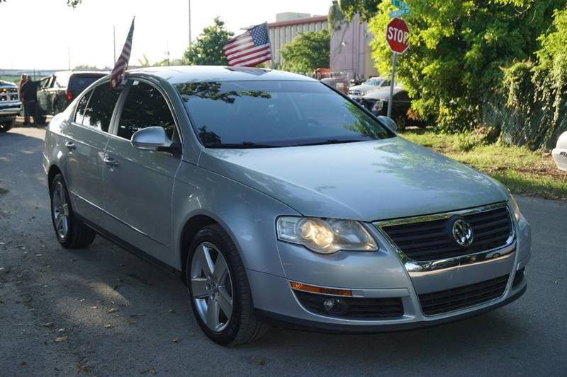 2009 VOLKSWAGEN PASSAT KOMFORT 4DR SEDAN silver  call 866-378-7964 for sales  this 2009 vol