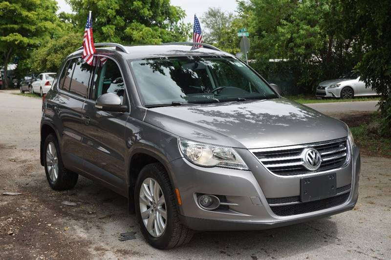 2009 VOLKSWAGEN TIGUAN SE 4MOTION AWD 4DR SUV gray  call 866-378-7964 for sales  this 2009