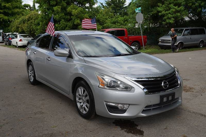 2013 NISSAN ALTIMA 25 S 4DR SEDAN silver  call 866-378-7964 for sales  this 2013 nissan al