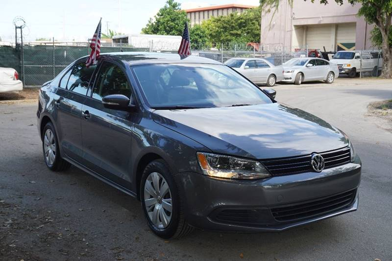 2014 VOLKSWAGEN JETTA SE PZEV 4DR SEDAN 6A gray  call 866-378-7964 for sales  this 2014 vol