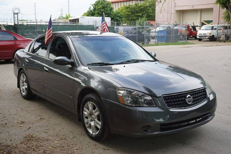 2006 NISSAN ALTIMA 25 S 4DR SEDAN WAUTOMATIC gray  call 866-378-7964 for sales  this 2006