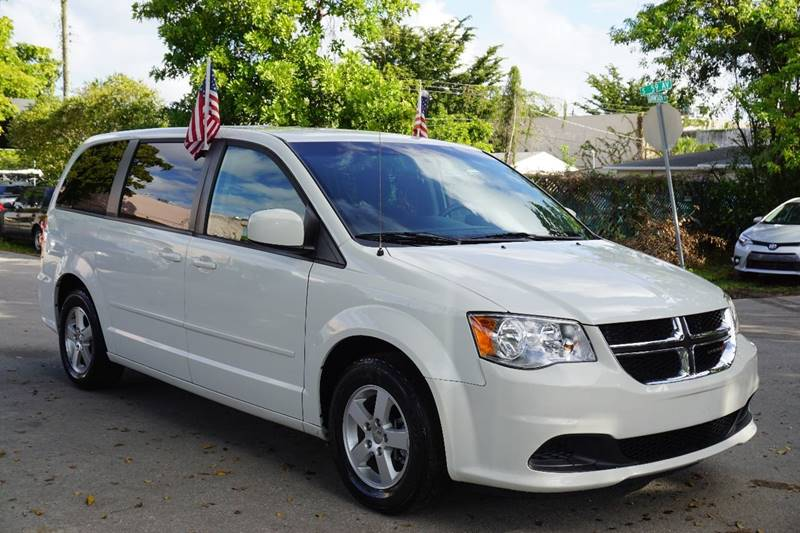 2013 DODGE GRAND CARAVAN SXT 4DR MINI VAN white  call 866-378-7964 for sales  this 2013 dod