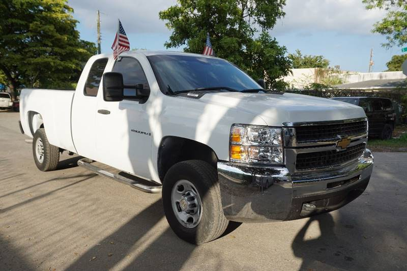 2007 CHEVROLET SILVERADO 2500HD LT1 4DR EXTENDED CAB 4WD LB white  call 866-378-7964 for sales