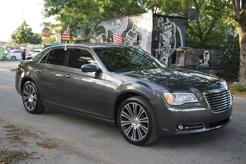 2013 CHRYSLER 300 S 4DR SEDAN gray  call 866-378-7964 for sales  this 2013 chrysler 300 s 4