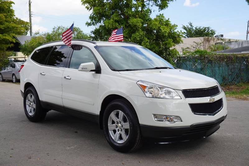 2012 CHEVROLET TRAVERSE LT 4DR SUV W 1LT white  call 866-378-7964 for sales  this 2012 che