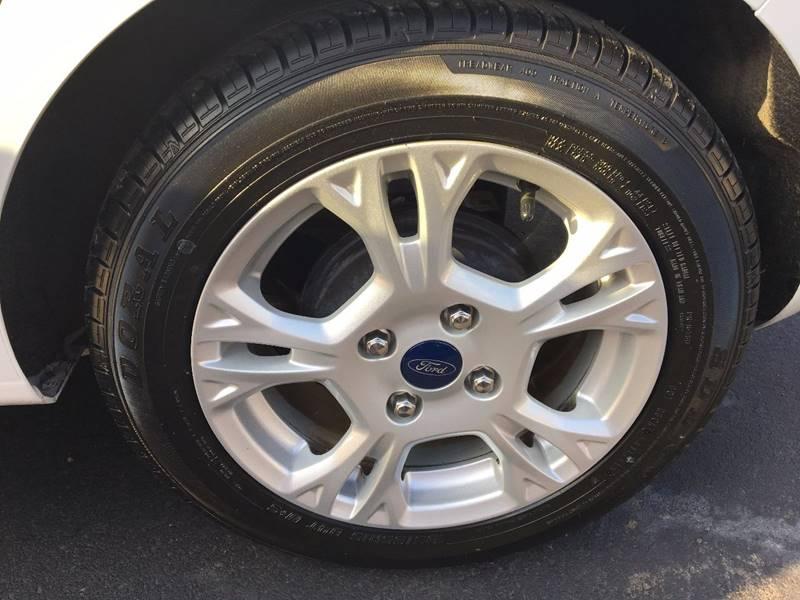 2014 Ford Fiesta SE 4dr Hatchback - Ridgeley WV