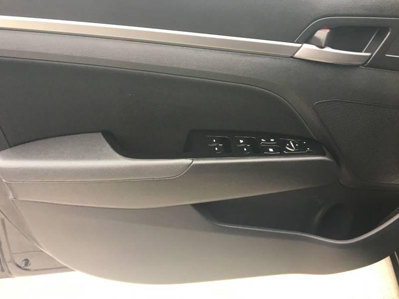 2017 Hyundai Elantra SE 4dr Sedan 6A - Ridgeley WV