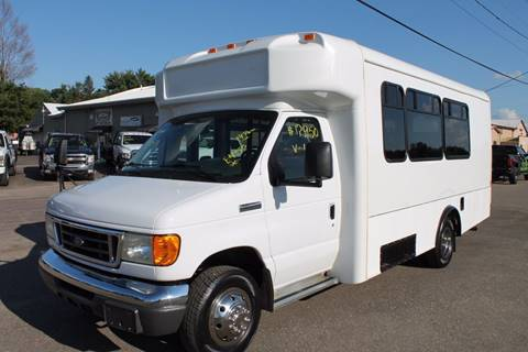 2006 Ford E-450 for sale at LA MOTORSPORTS in Windom MN