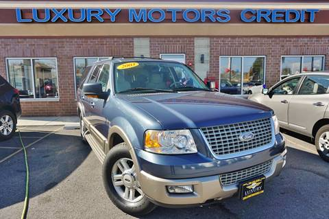 2003 Ford Expedition for sale at Luxury Motors Credit Inc in Bridgeview IL