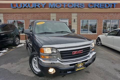 2006 GMC Sierra 1500 for sale at Luxury Motors Credit Inc in Bridgeview IL