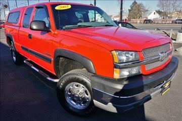 2003 Chevrolet Silverado 2500HD for sale at Luxury Motors Credit Inc in Bridgeview IL
