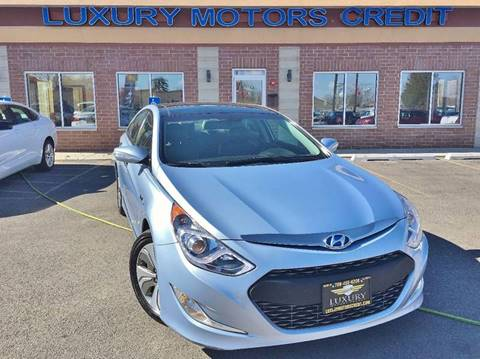 2015 Hyundai Sonata Hybrid for sale at Luxury Motors Credit Inc in Bridgeview IL