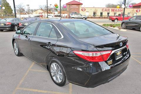 2015 Toyota Camry Hybrid for sale at Luxury Motors Credit Inc in Bridgeview IL