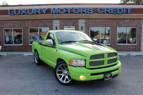 2004 Dodge Ram Pickup 1500 for sale at Luxury Motors Credit Inc in Bridgeview IL
