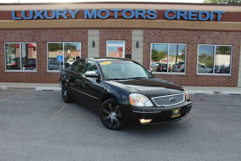 2005 Ford Five Hundred for sale at Luxury Motors Credit Inc in Bridgeview IL