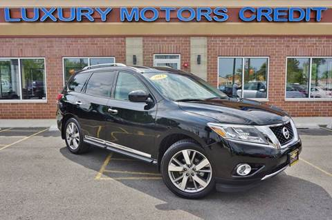 2013 Nissan Pathfinder for sale at Luxury Motors Credit Inc in Bridgeview IL