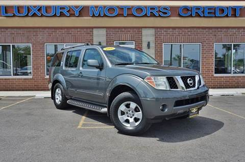 2006 Nissan Pathfinder for sale at Luxury Motors Credit Inc in Bridgeview IL