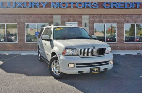 2006 Lincoln Navigator for sale at Luxury Motors Credit Inc in Bridgeview IL